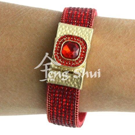 Náramok červený spona magnet